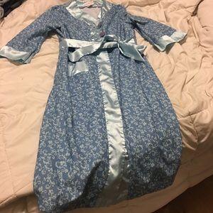 Victorian American girl robe